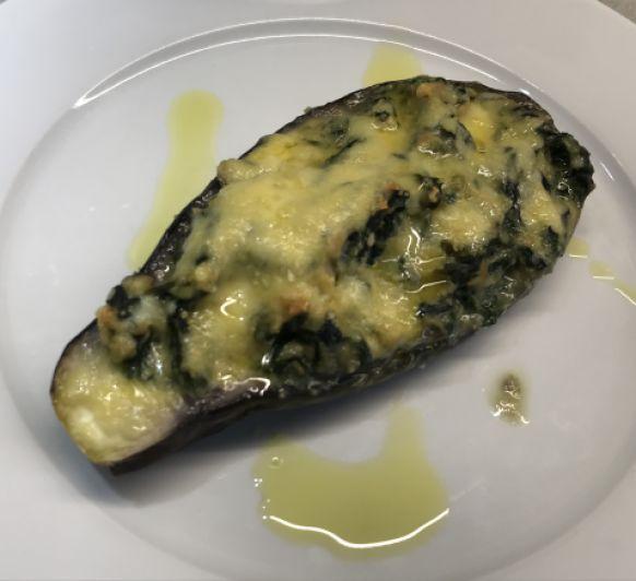 Albergínia farcida amb espinacs, ou i tonyina amb Thermomix® . Bellpuig-Lleida