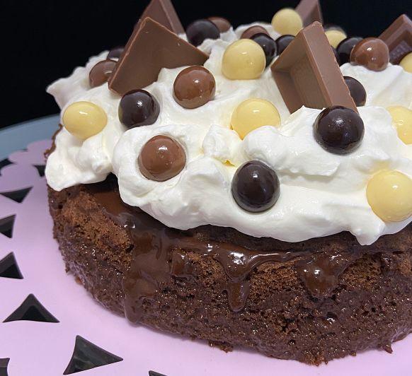Tarta de chocolate al vapor con nata montada con Thermomix® en Lleida