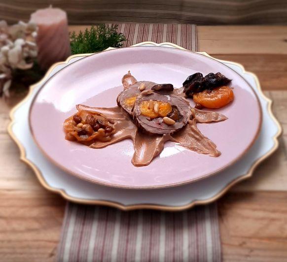 Redondo de ternera con salsa de ciruelas, pasas y orejones. Thermomix® Lleida